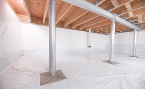 Crawl space structural support jacks installed in Temple Hills